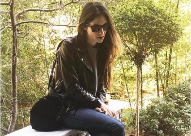 Νίκος Καρβέλας: Βόλτα με τα εγγόνια και την κόρη του στο πάρκο! | tlife.gr