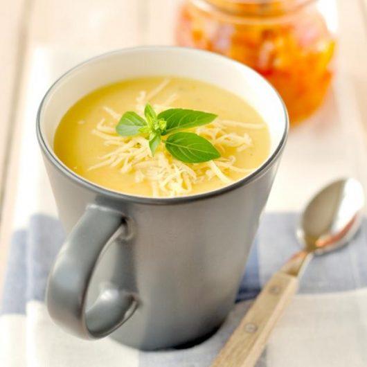 Κρεμώδης σούπα πατάτας με βασιλικό | tlife.gr