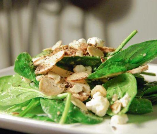 Σαλάτα σπανάκι με vinaigrette μελιού   tlife.gr