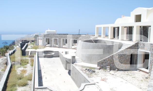 Φωτογραφίες από το σπίτι Jolie – Pitt! Αποστολή του TLIFE στη Σαντορίνη   tlife.gr