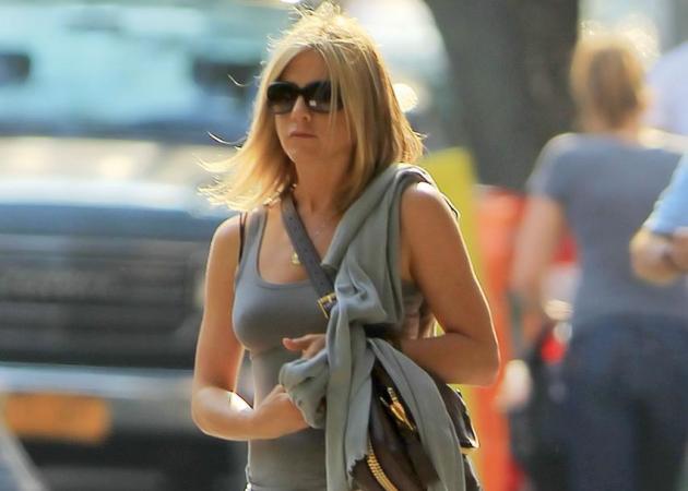Τι έγραψε στο νέο της tattoo η J. Aniston; Plus: τα πιο διάσημα tattoo και τι σημαίνουν! | tlife.gr