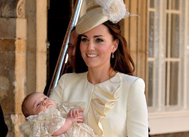 Tι φόρεσε η Kate Middleton στη βάφτιση του γιου της;