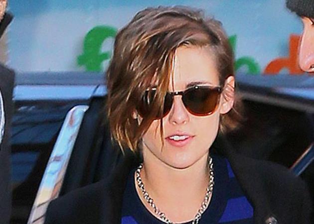 Αυτή η photo της Kristen Stewart θα σε κάνει να θες να βάλεις μπλε σκιά! | tlife.gr