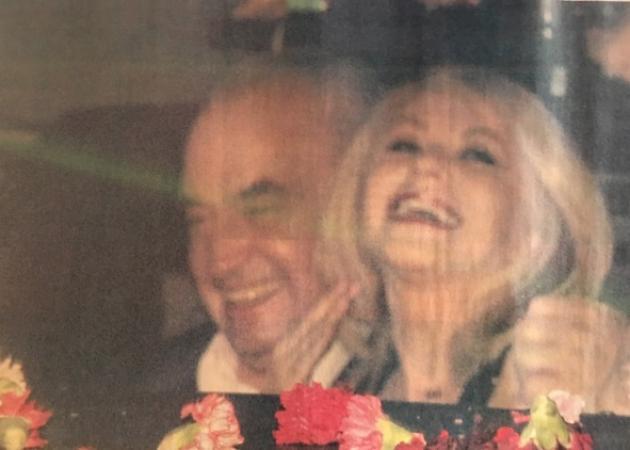 Έλλη Στάη: Η πρώτη δημόσια εμφάνιση με τον Νίκο Μουνδρέα! Διασκέδασαν στα μπουζούκια | tlife.gr
