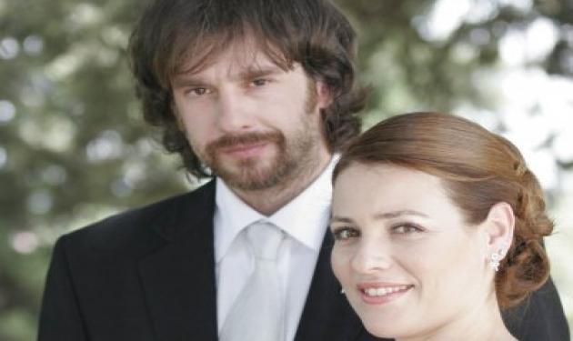 Α. Σταύρου: Δεν είναι δύσκολο να εργάζομαι μαζί με την γυναίκα μου! | tlife.gr