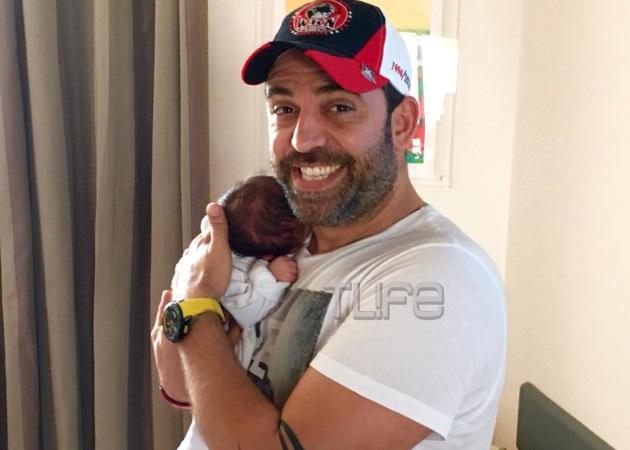 Στέφανος Κωνσταντινίδης: Η πρώτη φωτογραφία με τη νεογέννητη κόρη του! | tlife.gr
