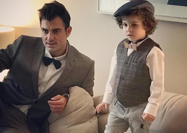 Στέλιος Χανταμπάκης: Δες τον γιο του Μανώλη να νανουρίζει τη νεογέννητη αδερφή του – Θα λιώσεις! | tlife.gr