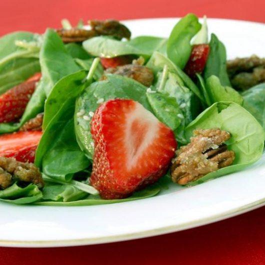 Σαλάτα με φράουλες | tlife.gr