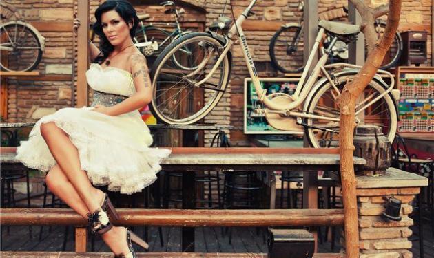 Το συγκινητικό γράμμα της Sunny Μπαλτζή για το χαμό της φίλης της!   tlife.gr