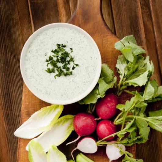 Dip στο λεπτό με γεύση κρεμμύδι   tlife.gr