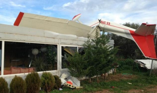 Ανεμοστρόβιλος στο Τατόι σήκωσε στον αέρα 2 Τσέσνα! | tlife.gr
