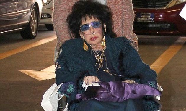 Ε. Τέιλορ: Κοκέτα ακόμα και στο αναπηρικό καροτσάκι! | tlife.gr