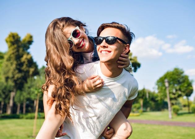 Έρωτας στην εφηβεία: Η ψυχοπαιδαγωγική σύμβουλος Χρυσούλα Μαυράκη μιλά για τα πρώτα ερωτικά σκιρτήματα | tlife.gr