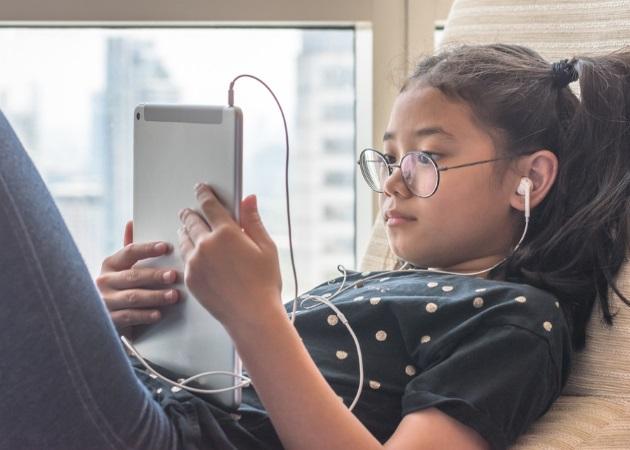 Τεστ: Είναι το παιδί σου εθισμένο στο internet;   tlife.gr