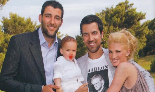 Δες νέες φωτογραφίες από τα βαφτίσια του γιου της Ν. Κάρτσωνα! | tlife.gr