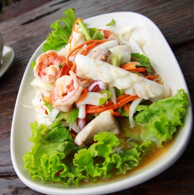 Tαϋλανδέζικη  σαλάτα γαρίδες