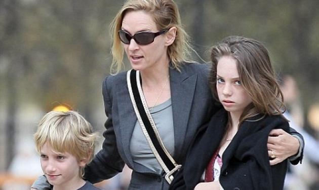 Uma Therman: Βόλτα με τα παιδιά της στο Παρίσι!   tlife.gr