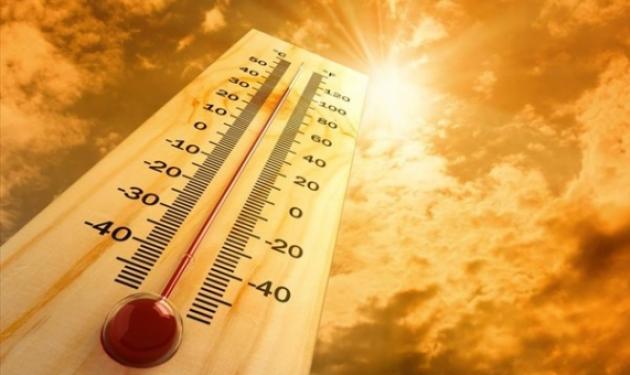Πώς να προστετευθείς, αλλά και να αντιμετωπίσεις πιθανή θερμοπληξία από την ζέστη | tlife.gr