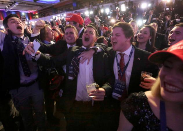Αμερικανικές εκλογές Live: Ο Τραμπ στο κατώφλι του Λευκού Οίκου! Μένει μόνο η παραδοχή της ήττας από την Κλίντον | tlife.gr
