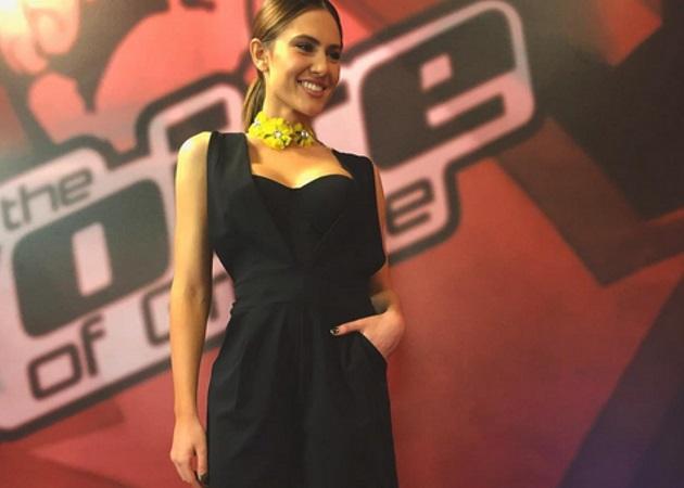 """Έλενα Τσαγκρινού: Μιλάει στο TLIFE για την παρουσίαση των backstage του """"The Voice"""""""