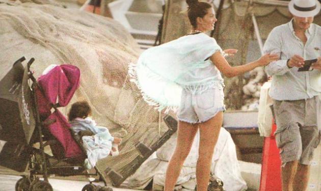 Σταματίνα Τσιμτσιλή: Η επιστροφή στην Αθήνα και οι ετοιμασίες για τη βάφτιση των κοριτσιών της!