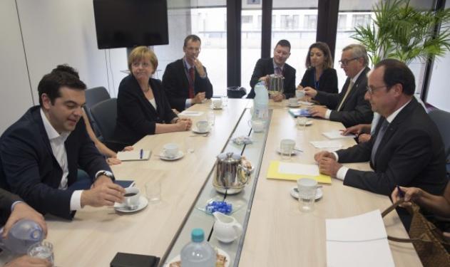 Σε εξέλιξη η συνάντηση του Αλέξη Τσίπρα με Μέρκελ, Ολάντ και Γιούνκερ | tlife.gr