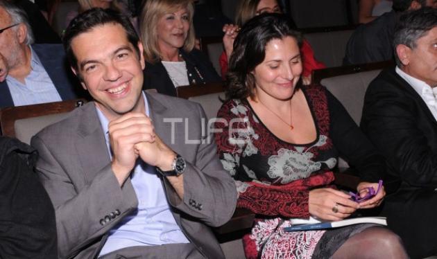 Α. Τσίπρας- Π. Μπαζιάνα: Βαφτίζουν με πολιτική τελετή το γιο τους στην Αίγινα | tlife.gr