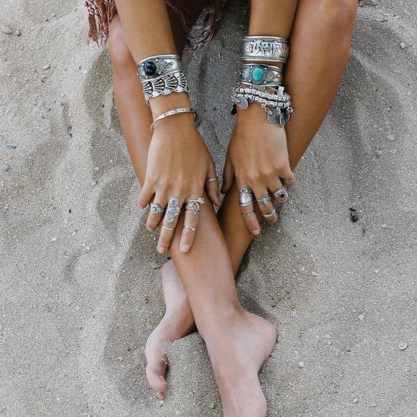 Πώς θα δείχνουν τα χέρια σου sexy και πιο μαυρισμένα!