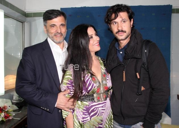 Μαρία Τζομπανάκη: Πρεμιέρα με το σύζυγο και το γιο της στο πλευρό της! Φωτογραφίες