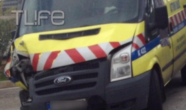 Τόμας Πρωτόπαπας: Φωτογραφίες από το αυτοκίνητό του και το βαν της Α. οδού λίγα λεπτά μετά το ατύχημα | tlife.gr