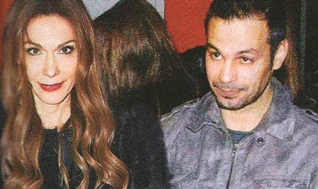 Δ. Βανδή – Ντ. Νικολαΐδης: Ερωτευμένοι στο θέατρο!   tlife.gr