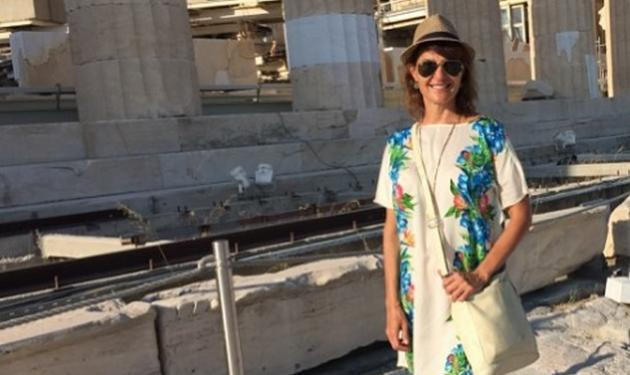 Nia Vardalos: Ήρθε για διακοπές στην Ελλάδα και δεν σταματά να προωθεί… τον τουρισμό!
