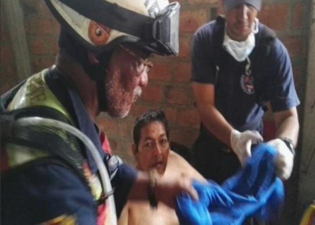 Ισημερινός: «Θαύμα» στα συντρίμμια! Βρήκαν ζωντανό 72χρονο με νεφρική ανεπάρκεια 13 ημέρες μετά τον φονικό σεισμό! | tlife.gr