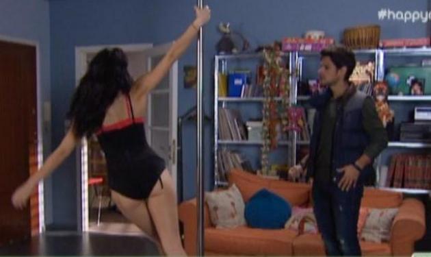 Tο σέξι pole dancing της Ιωάννας Τριανταφυλλίδου στη Μουρμούρα…