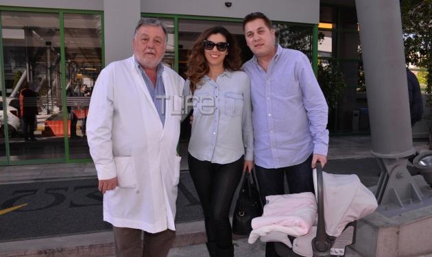 Γκαλένα Βελίκοβα: Επιστροφή στο σπίτι με τη νεογέννητη κόρη της!