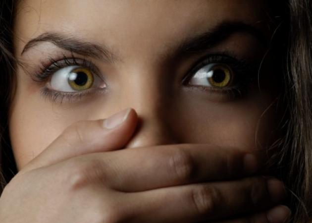 """Φθιώτιδα: """"Με πήραν από την αγκαλιά του φίλου μου και με βίασαν"""" – Φρίκη για κοπέλα σε ερημική τοποθεσία!"""
