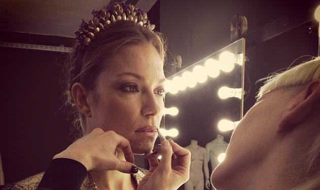 Βίκυ Καγιά: Backstage από την προετοιμασία της για μια μεγάλη έκπληξη! | tlife.gr