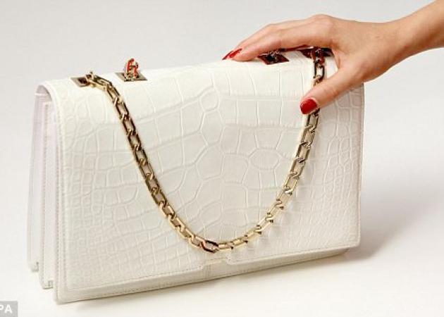 H τσάντα της Victoria Beckham | tlife.gr