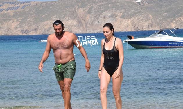 Αντώνης Βλοντάκης – Κορίνα Στεργιάδου: Βουτιές στο νησί των Ανέμων! Φωτογραφίες
