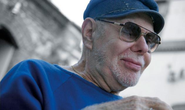 Έφυγε ο σκηνοθέτης Ανδρέας Βουτσινάς. | tlife.gr