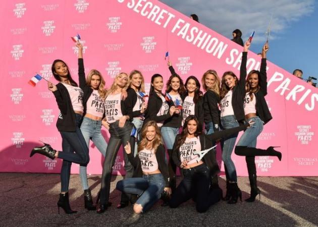 Αυτά είναι τα καλλυντικά που χρησιμοποίησαν οι Άγγελοι της Victoria Secret στο αεροπλάνο! | tlife.gr