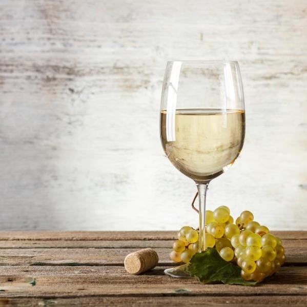 Τι κρασί να επιλέξεις για να συνοδεύσεις το κοτόπουλο; | tlife.gr