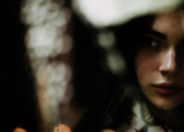 """Κατερίνα: """"Να του μιλήσω πριν τον χάσω για πάντα ή να τον αφήσω να φύγει χωρίς να μάθει ποτέ τίποτα;""""   tlife.gr"""
