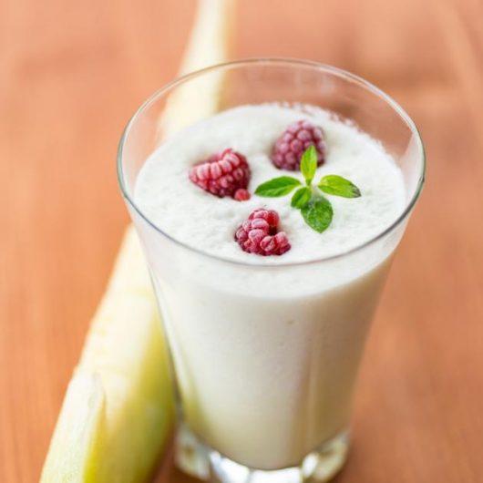 Shake πεπόνι με γιαούρτι   tlife.gr