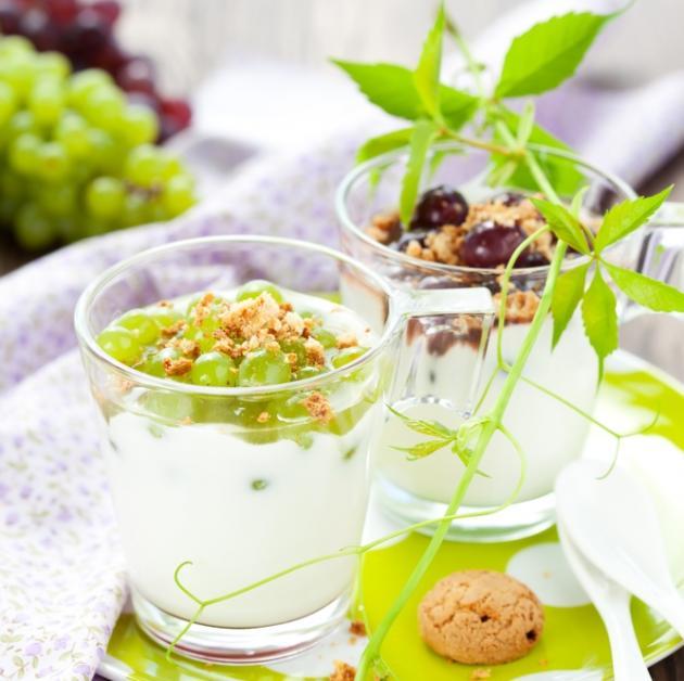 5 | Επιδόρπιο κρέμας γιαουρτιού με σταφύλια