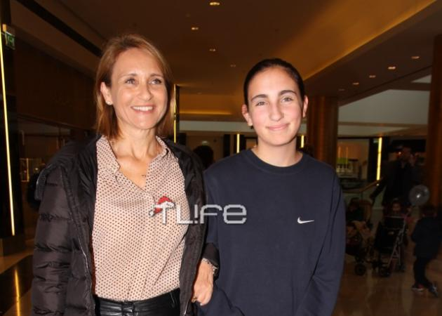 Μάρα Ζαχαρέα: Σπάνια έξοδος με την κόρη της! Φωτογραφίες
