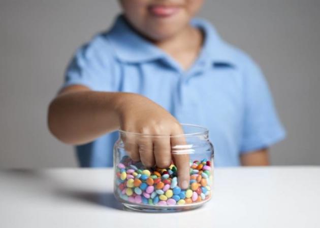 Επιβάλλεται να μειώσετε την ζάχαρη που παίρνει συνολικά το παιδί – 5 έξυπνοι τρόποι   tlife.gr