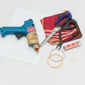 Η Πόπη Αναστούλη σου δείχνει πως να φτιάξεις στιλάτα σκουλαρίκια