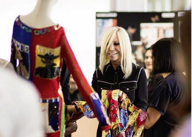H Donatella Versace θα τιμηθεί στα Fashion Awards!