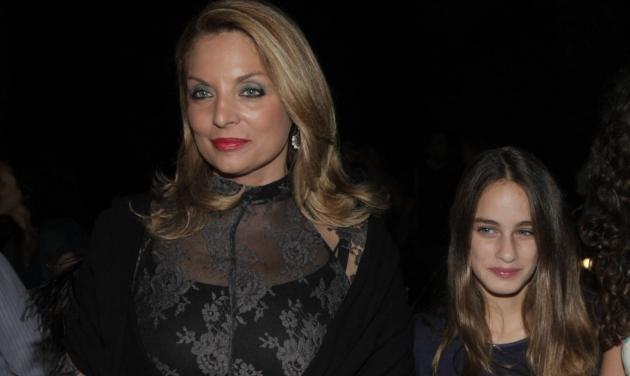 Άντζελα Γκερέκου: Με την κούκλα κόρη της στο Ηρώδειο! Φωτογραφίες | tlife.gr